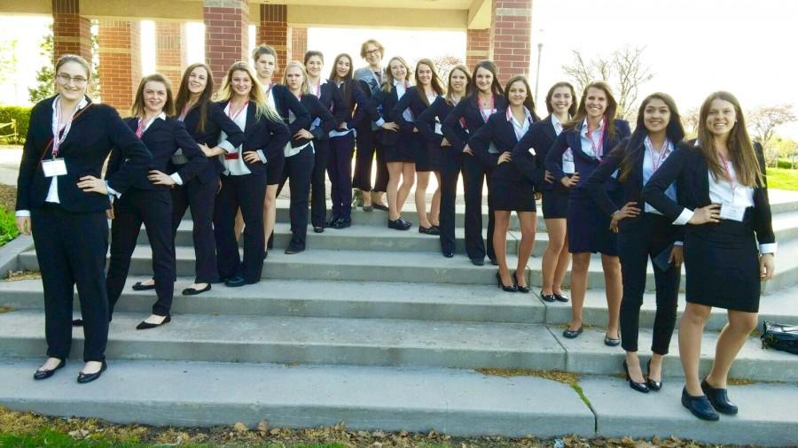 HOSA+members+and+their+adviser+pose+for+a+picture+while+attending+HOSA+State++