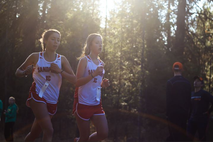 Freshman Chloe Braedt and senior Clara Sallent earned 13th and 15th in the field of 65 JV girls.