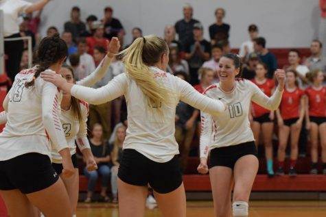 VOLLEYBALL SWEEPS FERRIS