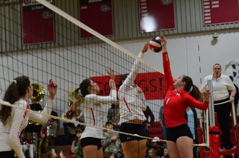 VOLLEYBALL DEFEATS MOSCOW AT SENIOR NIGHT