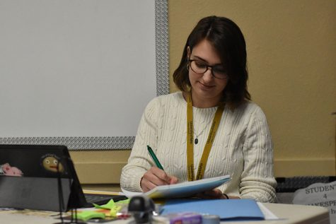 ALUMNA RETURNS TO SHS AS STUDENT TEACHER