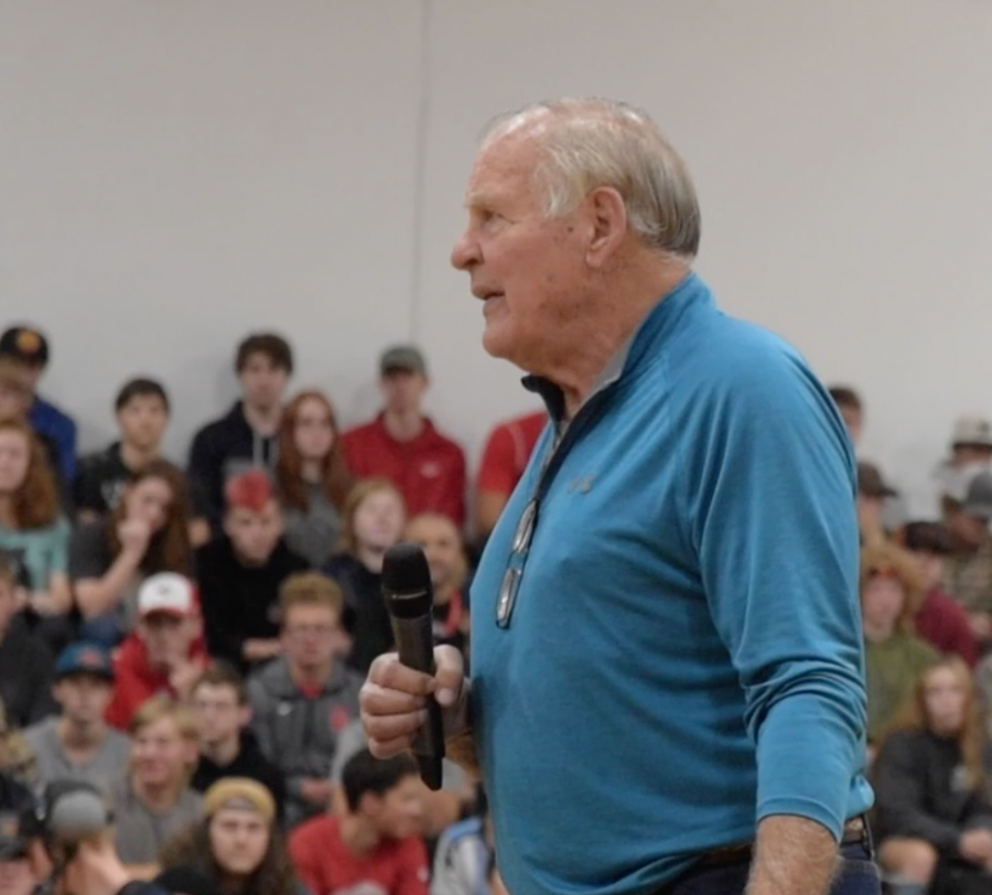 NFL Hall-of-Famer Jerry Kramer speaks during the Homecoming Kickoff Assembly.