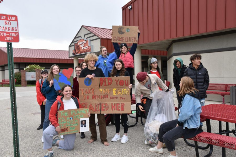 SHS+Students+participate+in+the+Global+Climate+Strike+last+Friday